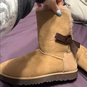 BRAND NEW UGGS!!! SIZE 9.5